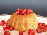 Pomegrate and vanila minicakes