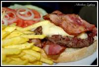bacon cheeseburger / hamburguesa de vaca cachena