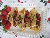 FILLOAS RELLENAS DE FRESAS Y CHOCOLATE