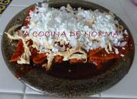 ENCHILADAS DE CHILE GUAJILLO