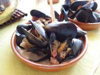 Mejillones a la Normanda de Anthony Bourdain