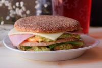 Sandwich Club Integral con Aguacate