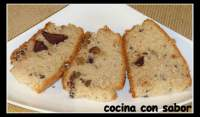 Bizcocho de nata con nueces y chocolate (Thermomix)