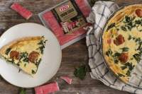 QUICHE DE SNOW CRAB CON ESPINACAS Y TOMATITOS CHERRY