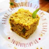 Arroz cremoso con pavo, frutas y curry