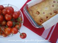 CAKE SALADO DE QUESO Y CHERRIES